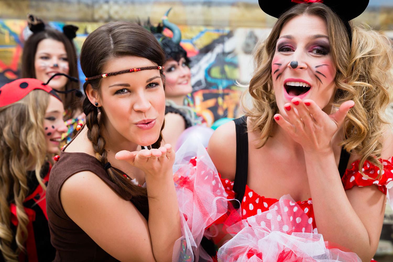 Wohnen am Klingertal Meissen - Fasching Karneval Verkleiden Schminken Frauen
